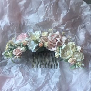 Accessories - Blush & Off-White Floral Hair Comb